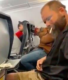 英国男子在飞机上吸烟,乘客吓出一身冷汗,机上有数千加仑燃料
