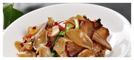 精选美食:椒泥排骨,三菇炒腊味,凉拌莴笋,橙汁豆腐的做法