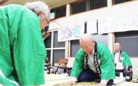 """日本最""""奇葩""""的比赛:报名者必须是秃头,获奖还有高额奖金拿!"""
