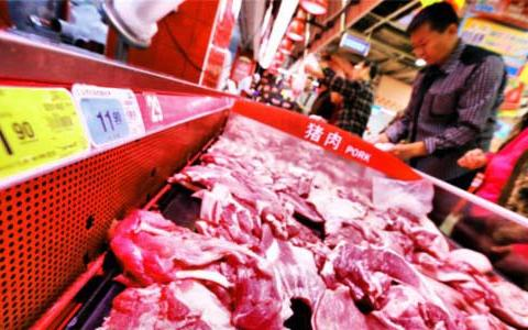"""猪肉价格要跌破成本价?生猪迎来""""限价令"""",养殖户开始慌了"""
