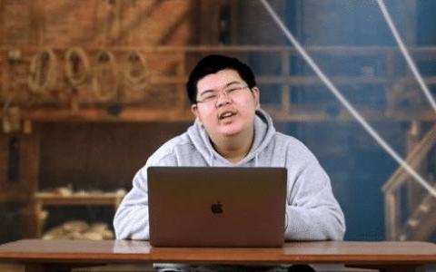 业内人士为华晨宇辩解:乐坛不配这么好的歌手,不好听还不让说