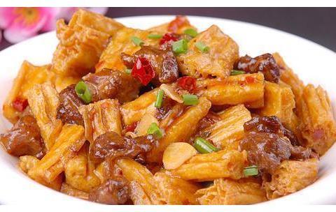 美食推荐:年年有鱼,大葱烧腐竹,豆豉姜汁排骨,口蘑烩豆腐泡