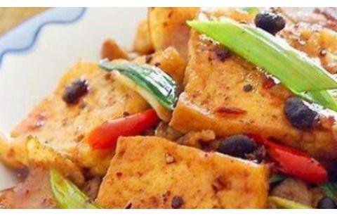 精选美食:辣子煎豆腐,人参焖鸭子,蒜蓉粉丝虾,酱爆西葫的做法