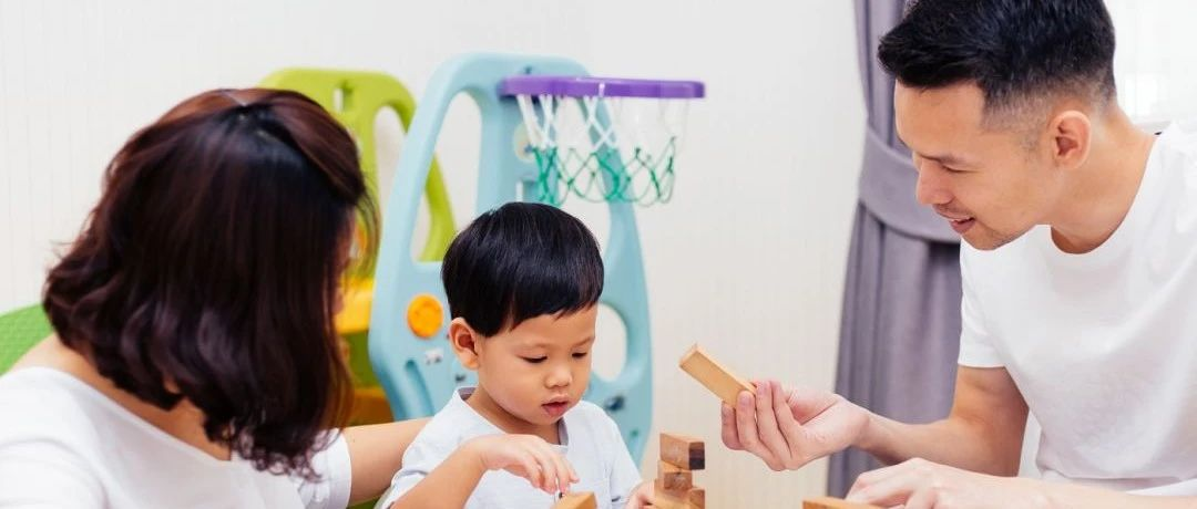 孩子宅家近视度数攀升,在开学前为孩子验配一副合适的眼镜