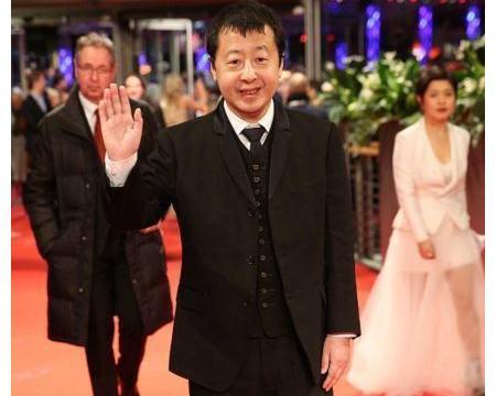 柏林电影节开幕,35岁齐溪太争气了,开幕红毯唯一中国女演员