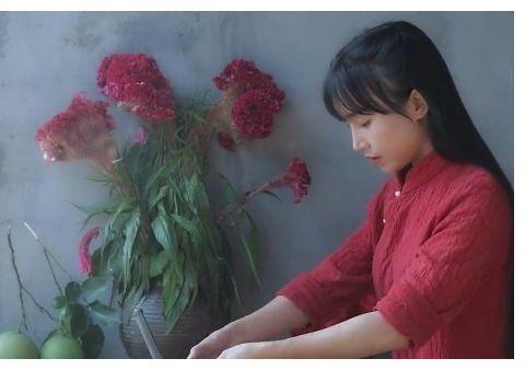 李子柒做紫薯花,网友在家模仿,看到成品:这是有毒?