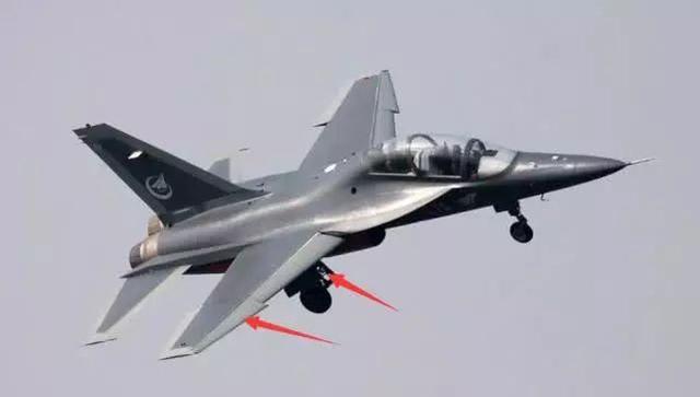 为歼-20培训飞行员的强悍教练机,一图展示飞控,极为先进
