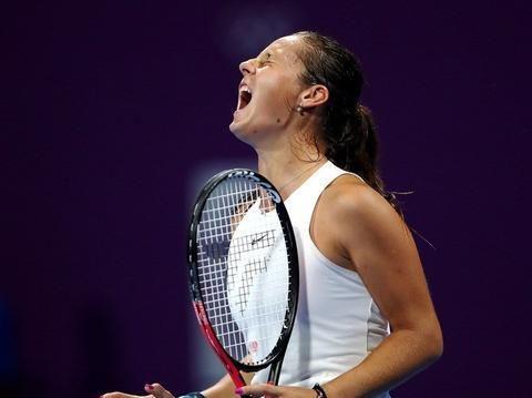 2020年WTA卡塔尔网球公开赛首轮,穆古鲁扎2比1卡萨金娜晋级