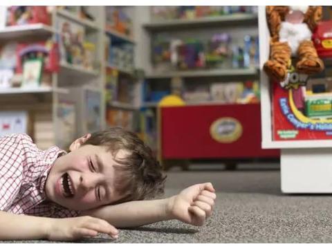 因为小孩抢玩具的事情,朋友居然把我拉黑了,如果是你会怎么做?