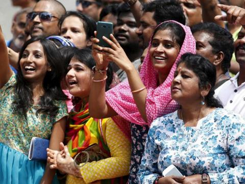印度刚入发达国家行列,遇金融危机举国负债8万亿,鸡蛋比鸡还贵