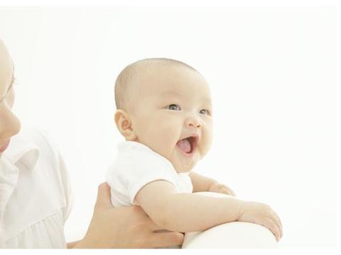 误区,母乳喂养的宝宝长牙应该戒奶,宝宝,这不公平