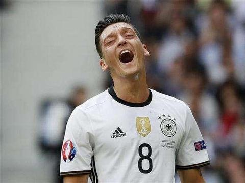 厄齐尔事件两个月后,阿森纳的收视率复原,但德国足坛不原谅他