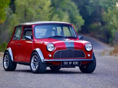 500马力V6+大后驱,这辆经典款Mini通通都有