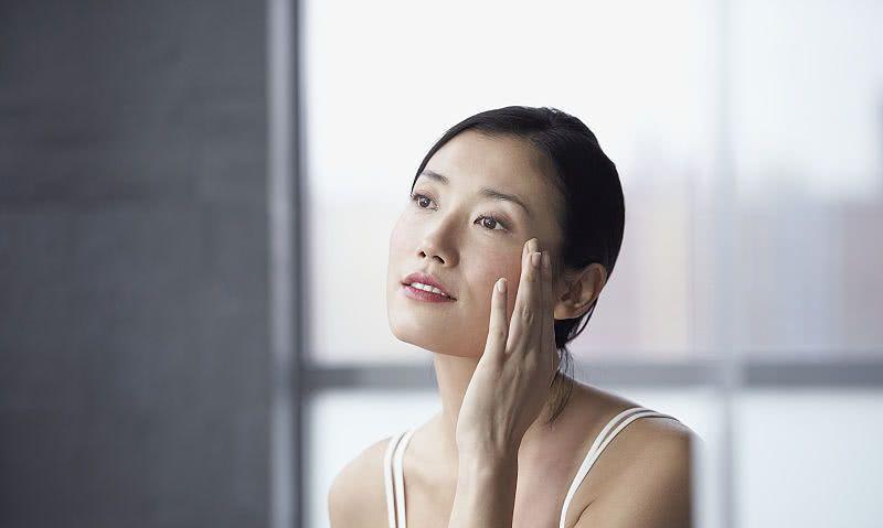 美女们了解化妆水的种类与用法吗?看这里