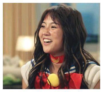 """还嫌""""咖喱酱""""长得丑,看到她的艺考证件照后,承认有一点心动"""