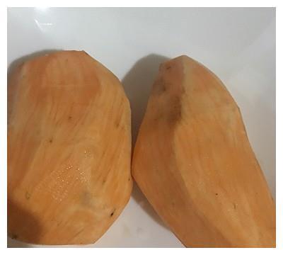 黑芝麻拔糖山芋的做法