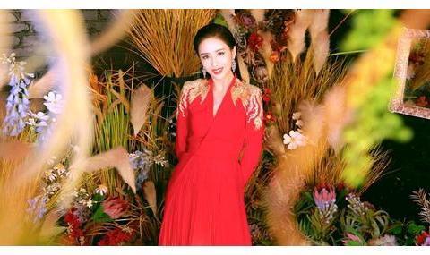 《完美关系》:佟丽娅女主造型被吐槽,陈数、高露气场太大
