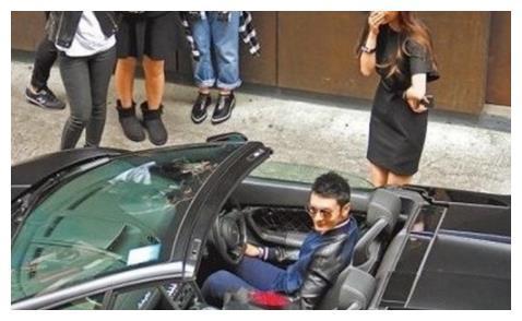 43岁黄教主开跑车,湖北籍员工晒出聊天记录,网友:忍不住了