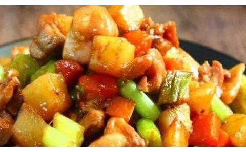 简单家常菜:鸡丁炒土豆,五香大辣片,口水鸡,秋葵炒蛋的做法