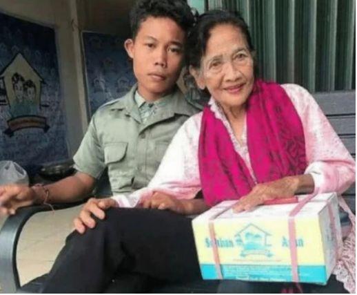 印度16岁男孩不顾反对娶71岁老太,直言非她不娶,结婚2年还不放心