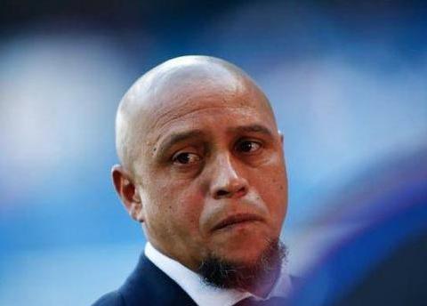 卡洛斯表示,原本C罗有可能成为巴西国脚,可惜巴西足协太自信了