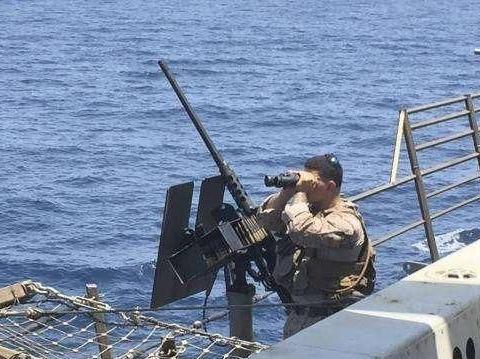 """美军海上""""打秋风""""捞到宝,特朗普美滋滋!伊朗和盟友抱头痛哭!"""