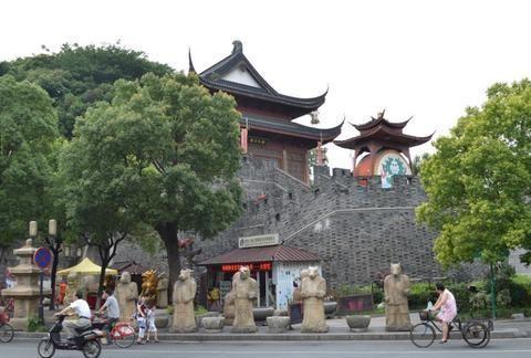 史上杭州的皇城根儿,是城市复兴的典范,还是千篇一律的商业街