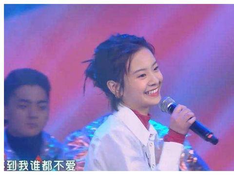 小陶虹的女儿——李庚希参加东方卫视2020年的元宵晚会