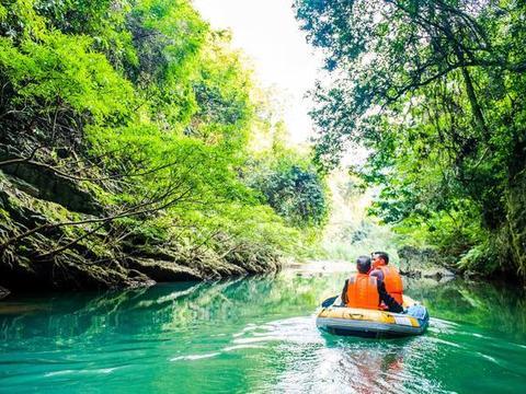 广西有个绝美峡谷,最适合春夏之际去游玩,这里你去过吗?