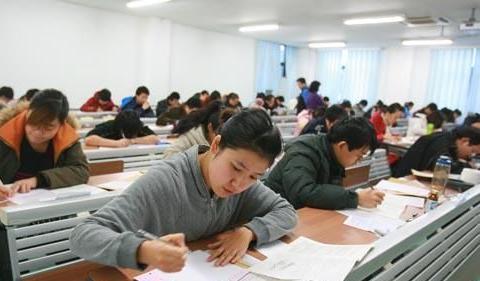 考研成绩已出,怎样才算被录取?三个因素缺一不可