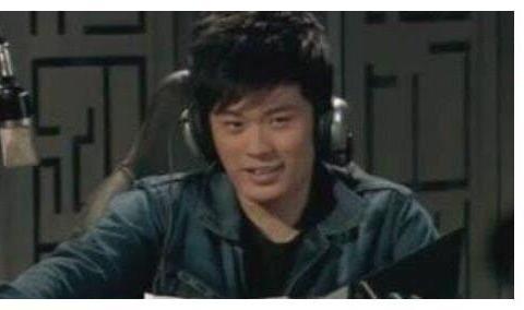 爱情公寓播出10年,曾小贤当爸,陈美嘉退出影视圈,他已去世6年