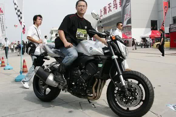现在都买汽车,为啥还要四五千的杂牌摩托车?车主:兜比脸还干净