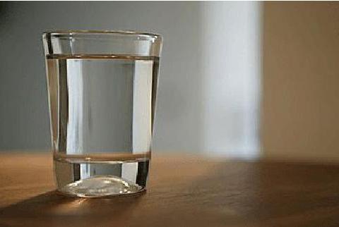 不一样的补水,碧云泉净水机让您每一口水都有不一样的感觉