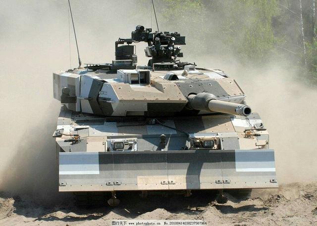 99A是东方王者,豹2A7是西方翘楚,这两款主战坦克谁更胜一筹?