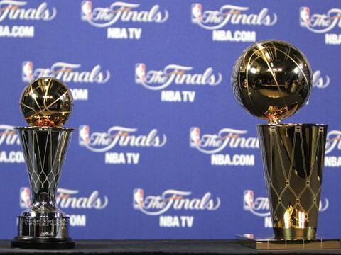 詹皇将6月5日大战字母哥NBA总决赛推迟!比去年晚6天勒布朗利好