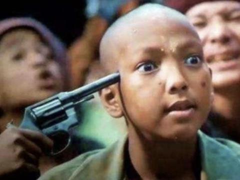 《湄公河行动》里的娃娃兵真的是小孩演的吗?知道真相后被震撼了