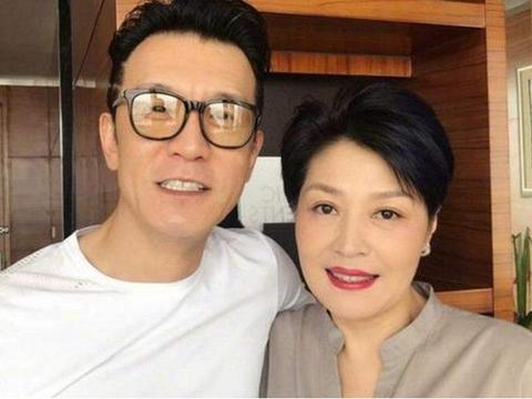 留下2亿遗产的央视主持李咏!没有把遗产给妻子,而是给了女儿