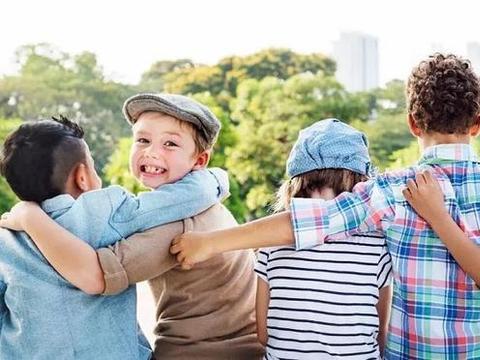 培养孩子社交能力之前,聪明父母这样做,让孩子学会交朋友
