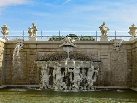 """奥地利""""藏宝无数""""的宫殿,号称""""小凡尔赛宫"""""""