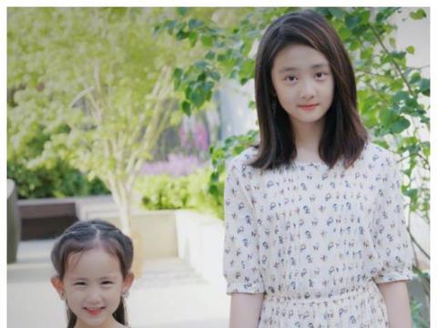 难怪网友让黄磊小女儿禁止整容,6岁五官撞脸林允儿,正脸可爱爆