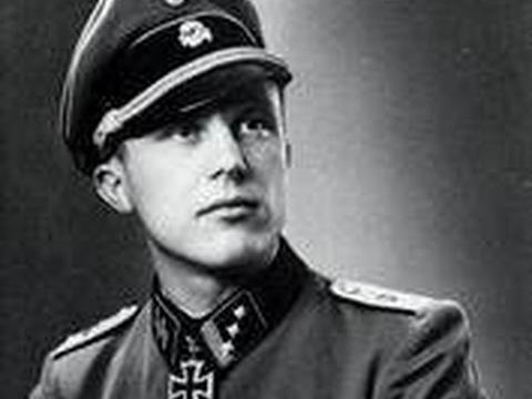 你所不了解的希特勒——外貌协会白金会员!一流服装设计师!