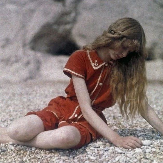 100 年前美丽生动的彩色人像摄影作品