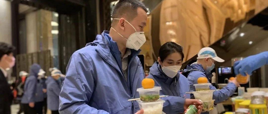 最近,武汉万达瑞华酒店迎来了一群最可爱、最尊贵的客人