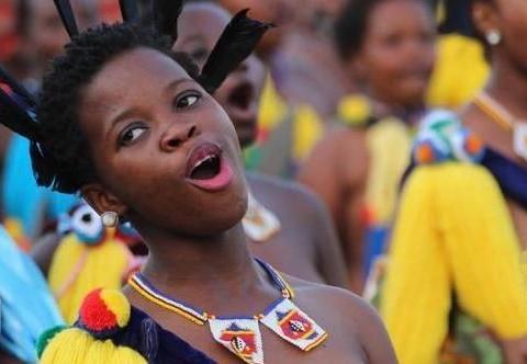 """最重视清白的非洲部落,男性也不例外,以""""长度""""作为检测标准"""