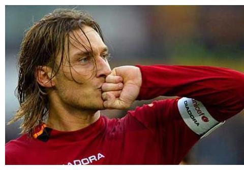 托蒂在罗马打进307球,亨利在阿森纳打进228球,C罗跟梅西呢?