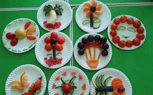 """孩子们做""""水果拼盘"""",老师微信群分享给家长,却被家长举报"""