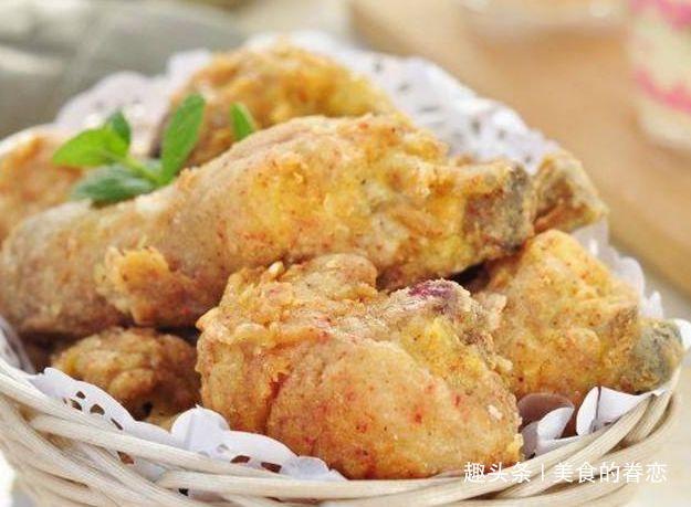 秘制炸鸡,剁椒木耳斩蛋,彩椒炒鸭肠,白玉菇炒莴笋