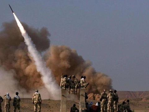 """""""伊朗导弹""""出现在一国展览上,曾击落美制战机,美担心的事来了"""