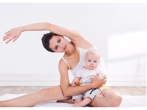 辟谣,生娃让妈胖?产后做好这3点,宝妈身材一样可以像模特