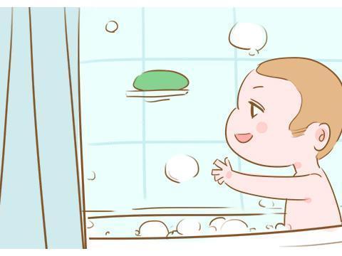 给小宝宝洗澡,不想他洗完后生病受罪,4个注意事项家长要知道